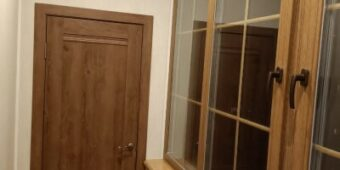 Установка пвх-дверей с ламинацией